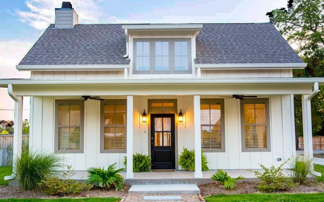 Charming And Stylish Small House in The Heart of Downtown Waco | Great Small House Design