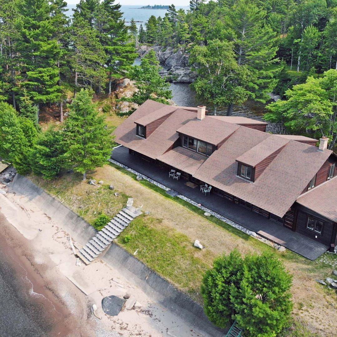Located in Michigan's untamed Upper Peninsula wilderness, Saux Head Lo