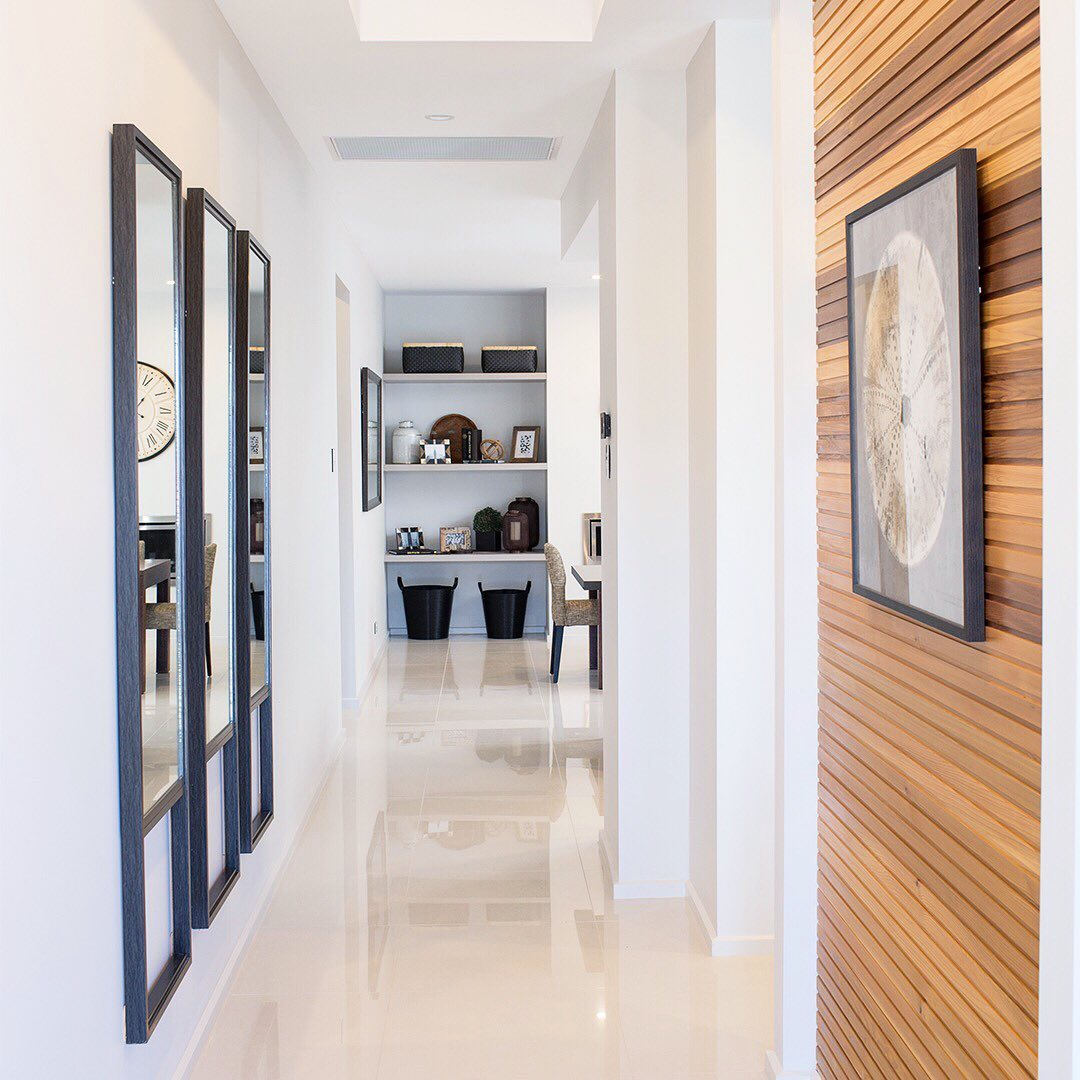 Make an impression with a feature wall in the entryway of your home. R